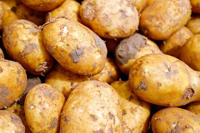 špinavé brambory