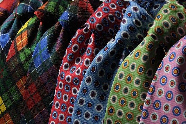 barevné kravaty