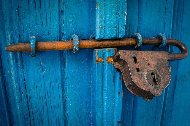 zamčené dveře