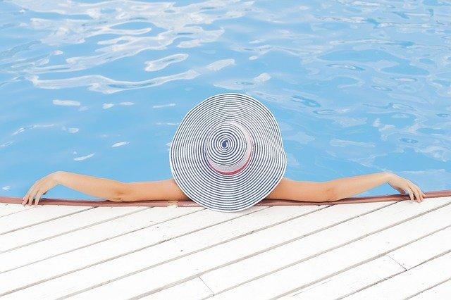 Pár rad pro křišťálovou vodu ve vašem bazénu